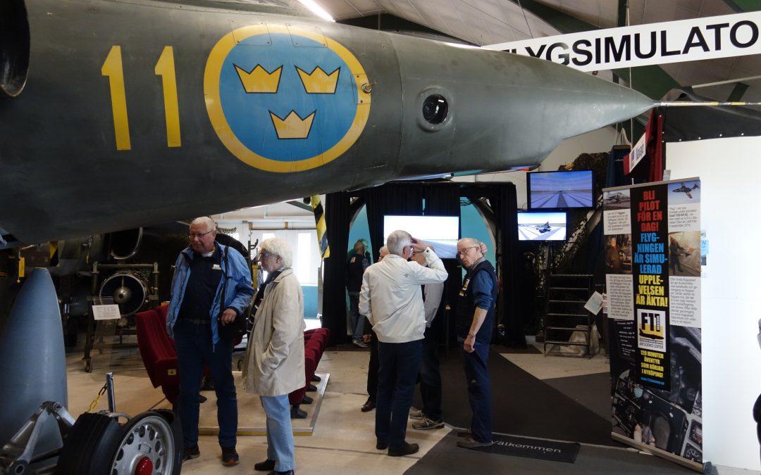 Kamratföreningen besöker F 11 museum